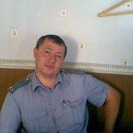 Вячеслав Напылов